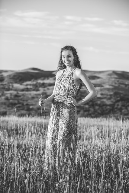 senior portrait, the south dakota cowgirl, south dakota cowgirl photography, portrait