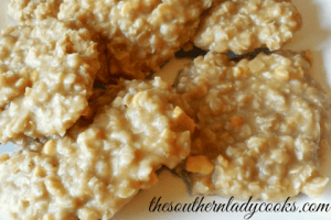 NO BAKE CREAMY PEANUT BUTTER OATMEAL COOKIES
