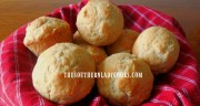 THREE INGREDIENT DINNER ROLLS