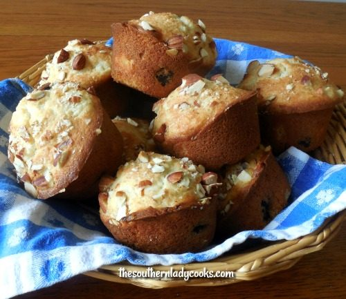 Pineapple muffins with blueberries