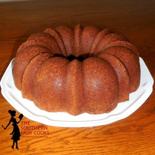 Cinnamon Cake with Cinnamon Sauce