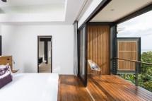 Studio Saxe Builds Steel-framed Jungle Retreat In