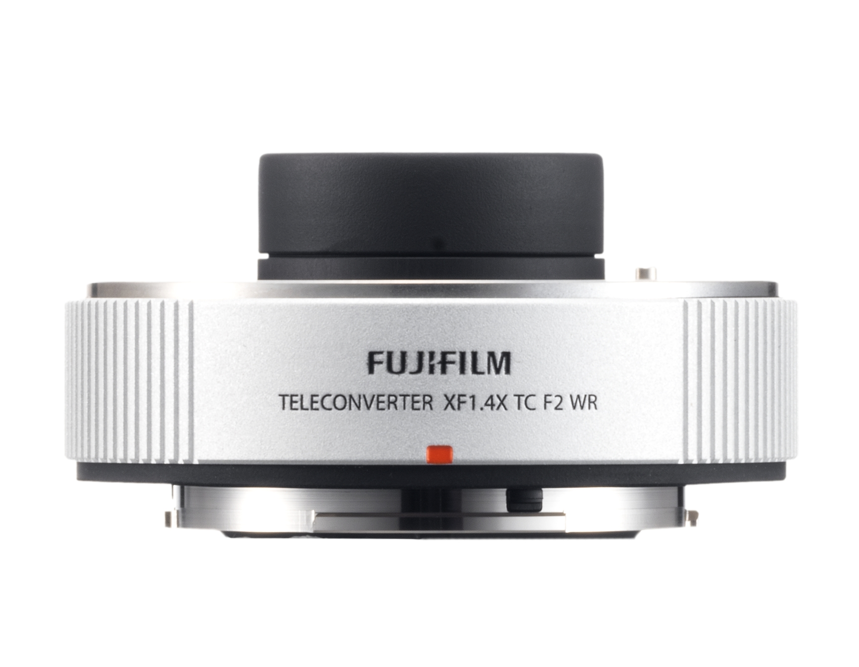 Long and short: Fujifilm adds two high-end X Series camera