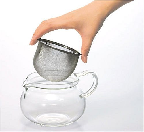 tea pot with strainer