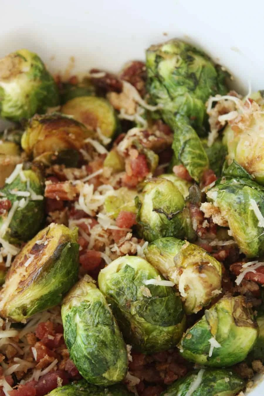 Pan fried brussel sprouts with all the fixings: I used to hate brussel sprouts, but now? I absolutely love and crave them. This recipe is definitely one to repeat! | via The Spirited Violet
