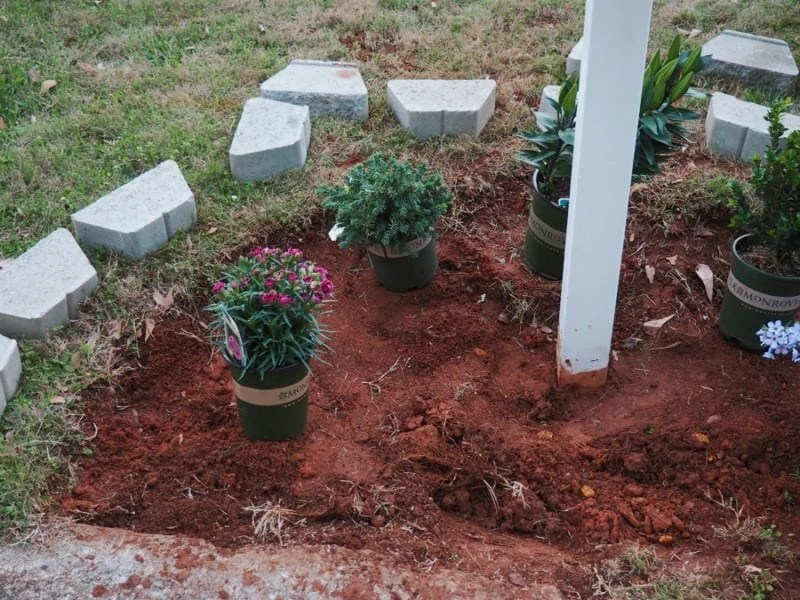 landscaping around mailbox post. Place Border Around Mailbox. After We Were Very Confident Everything Was A Good Size And Spacing For Our Plants, Began Figuring Out Pattern The Landscaping Mailbox Post N