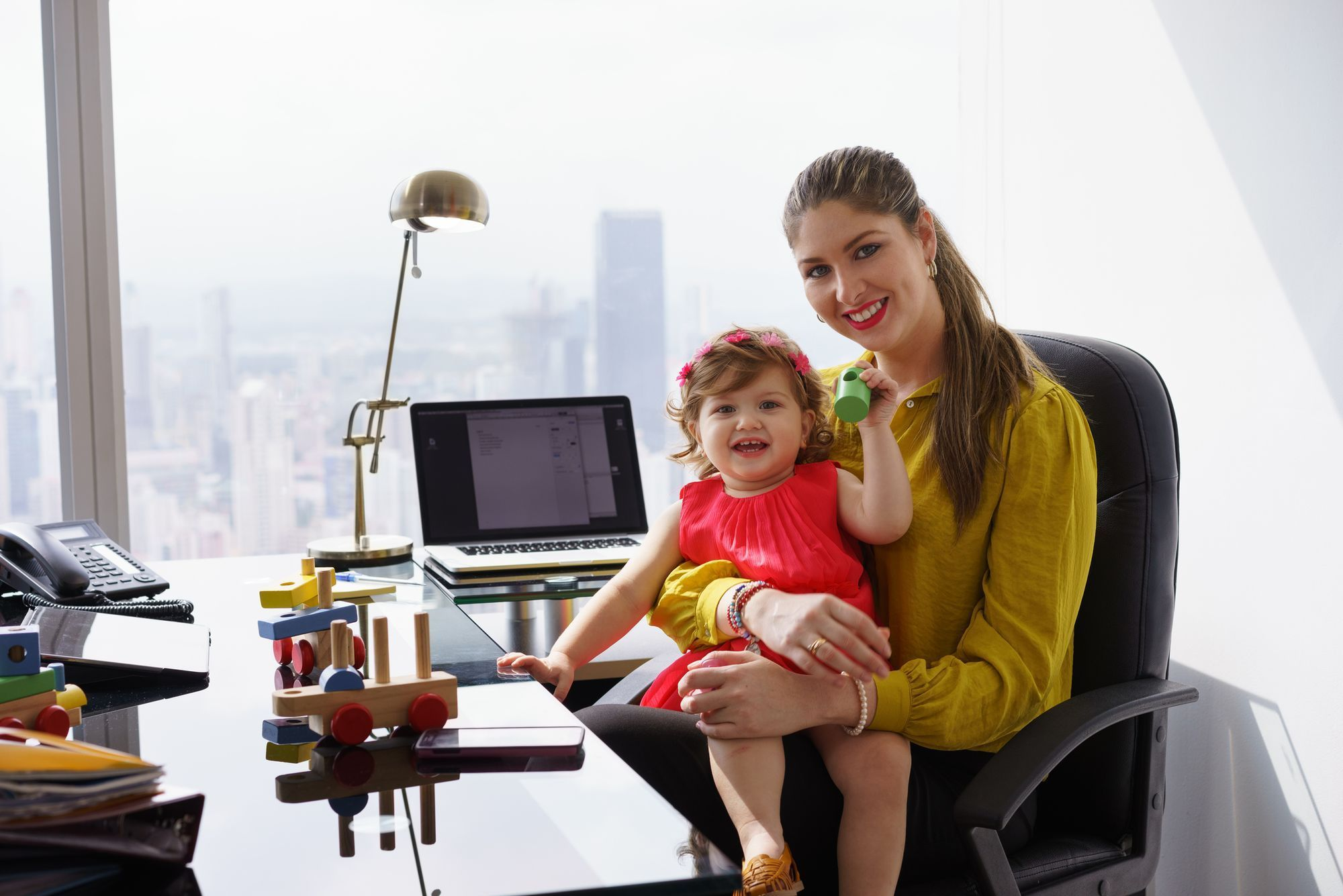 how-online-shopping-makes-modern-moms-life-easier