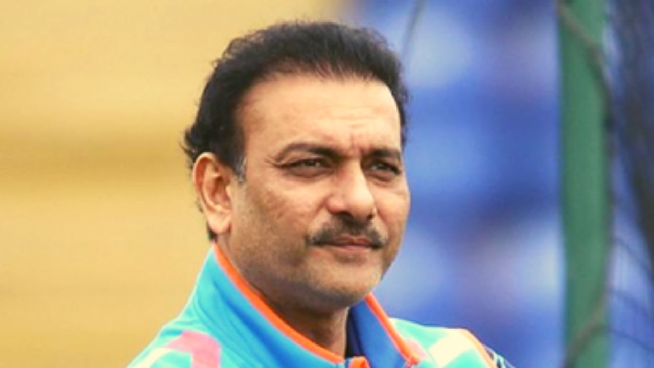 England vs India Test Series 2021: Ravi Shastri Tests Positive For COVID-19, Placed In Self Isolation Along With Three Other Coaching Staff Members