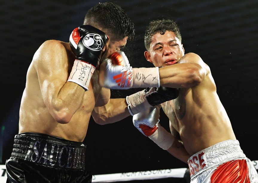 Saucedo shines against Fredrickson in unanimous decision (Photos)