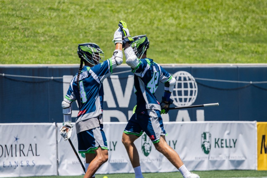 Kew's 7-point performance pushes Bayhawks to first win