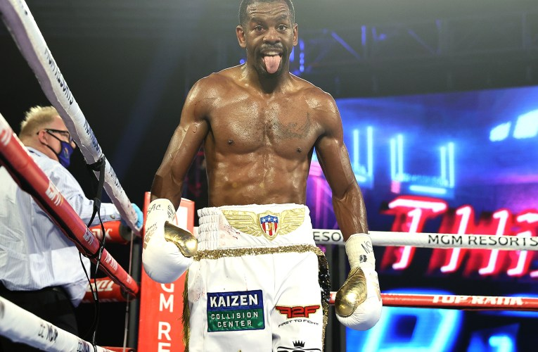 """""""Semper Fi"""" forces Oquendo to carry on in WBO title fight"""