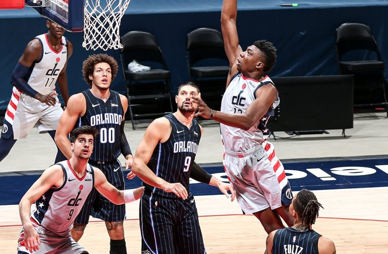 Wizards drop lead late, lose again to Magic