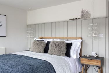 cottage bedroom interior cozy beadboard nicola mara bedrooms country decorating cornwall furniture inspired living isaac port