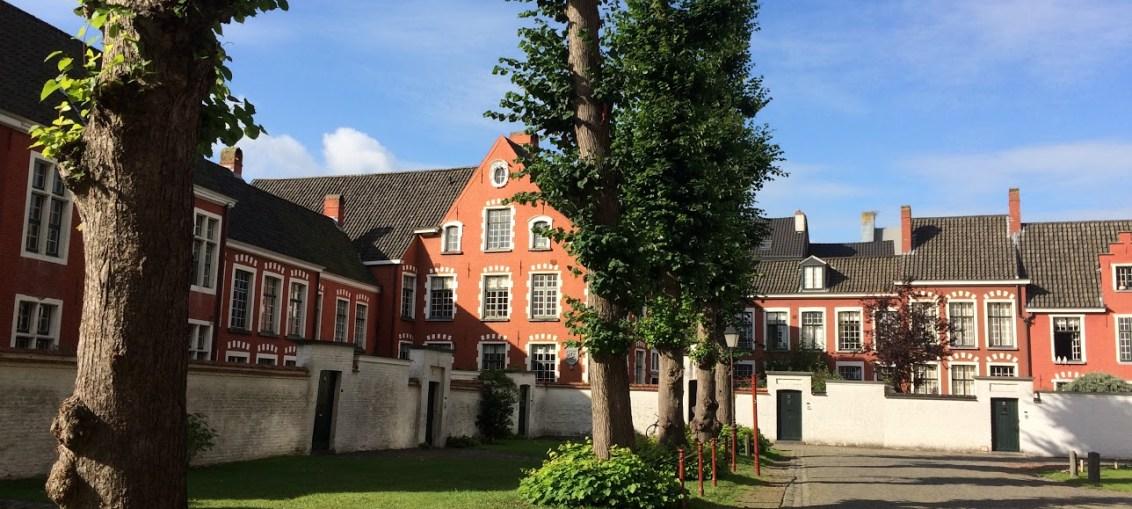 Klein Begijnhof Onze Lieve Vrouw Ter Hoyen © Dena Mehalakes