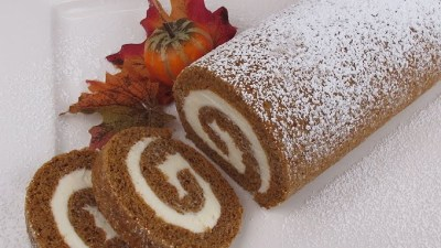 Perfect Pumpkin Roll Cake