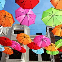 design tuesday : umbrella street agueda