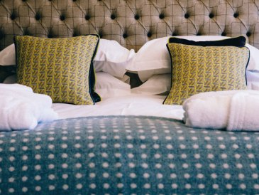 Stag-Lodge-Stow--BOUTIQUE-ACCOMMODATION-rooms3-4