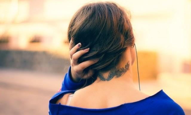 girl neck