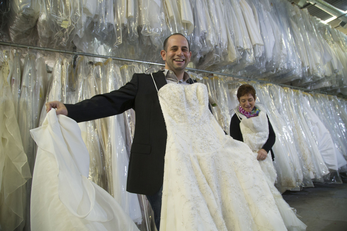 Liquidator Hopes For A Bridal Wave With Wedding Gown