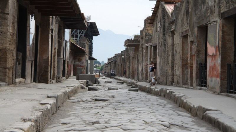 South African In: Pompeii