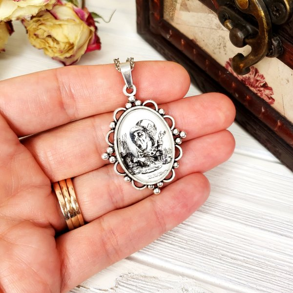 Alice in Wonderland Mad Hatter Necklace in Silver