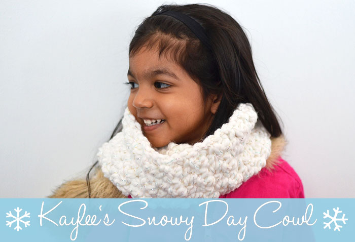 Kaylee's Snowy Day Cowl www.thestitchinmommy.com