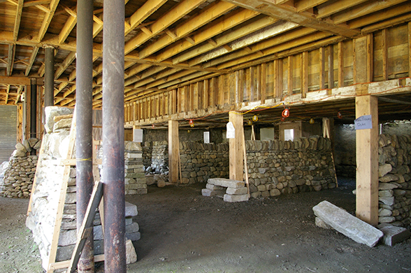 Numerous sections of wall for workshops and tests in The Center