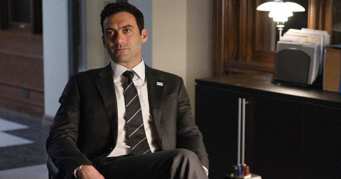 Image of character Mayor Bobby Novak played by actress Morgan Spector dressed by USA Network's Pearson by Suits Costume Designer Jolie Andreatta