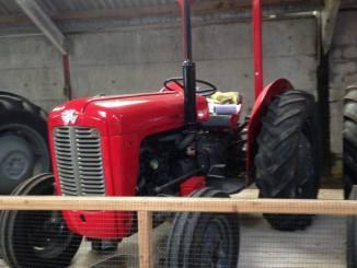 lakeland maze - red tractor