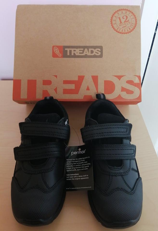 treads school shoes