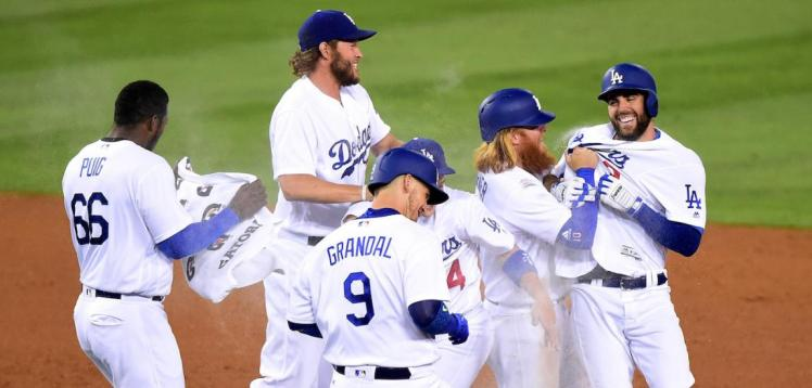 GettyImages-810034664-Chris-Taylor-Dodgers-LS-Main