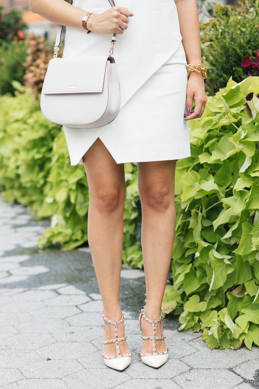 Diane Von Furstenburg Jenn Dress // Kate Spade Byrdie Bag // Valentino Rockstud Pumps - Grace Atwood, The Stripe
