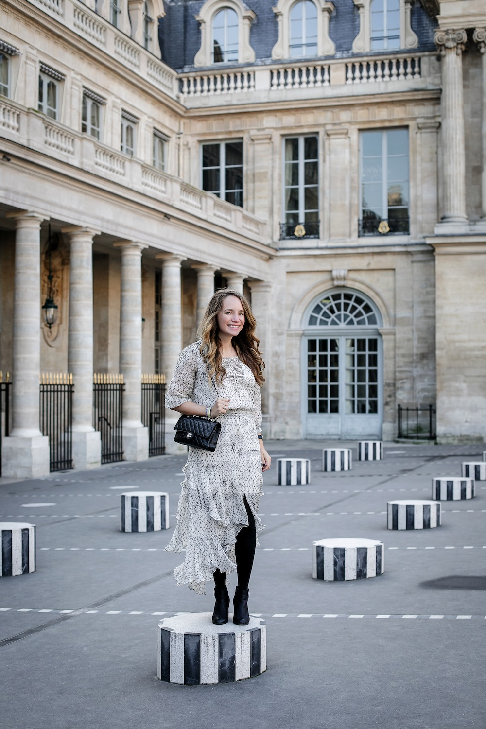 palais royal paris / grace atwood from the stripe wearing a cynthia vincent midi dress in paris. // les deux plateaux