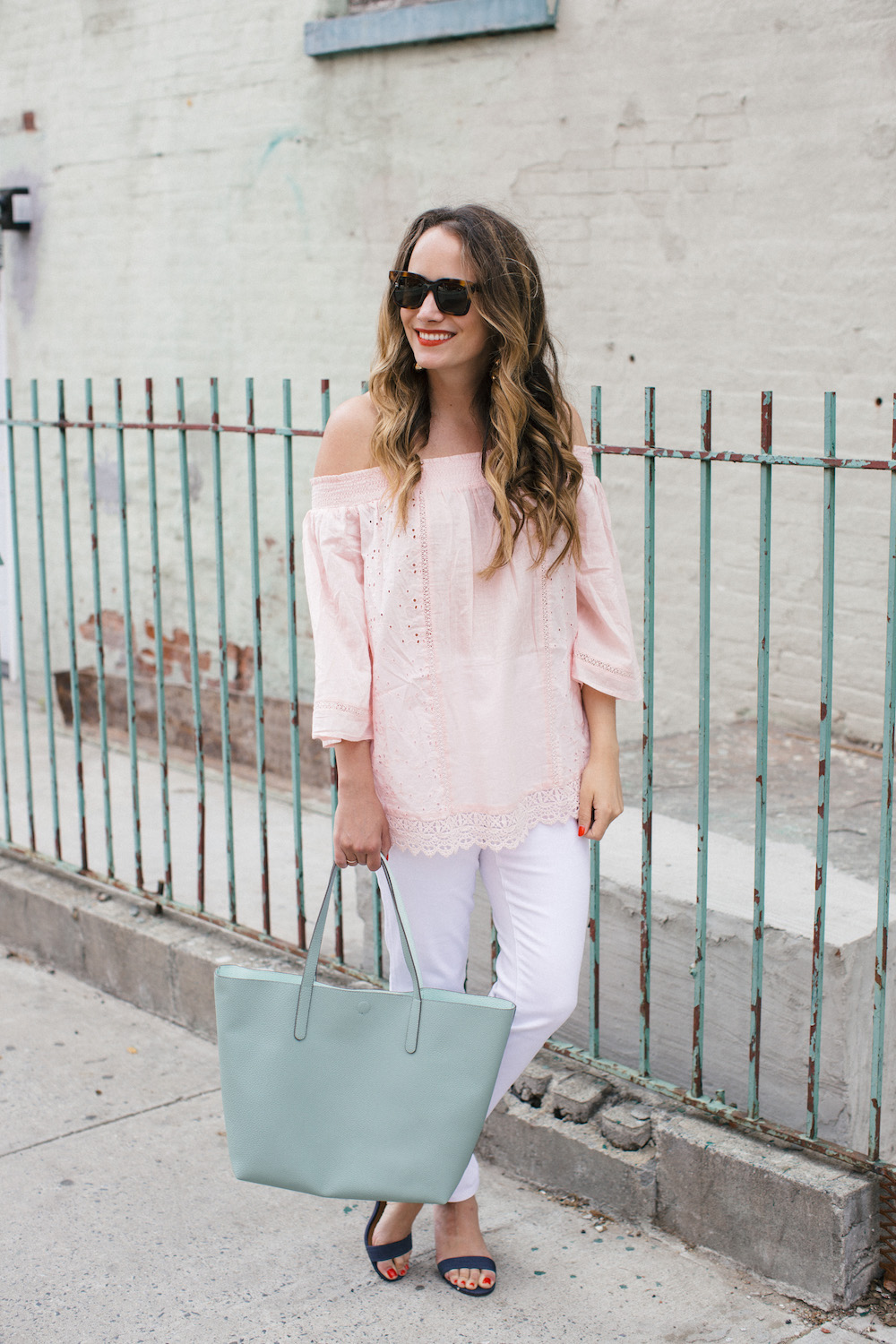 easy spring basics with style & co / how to style white jeans   the stripe