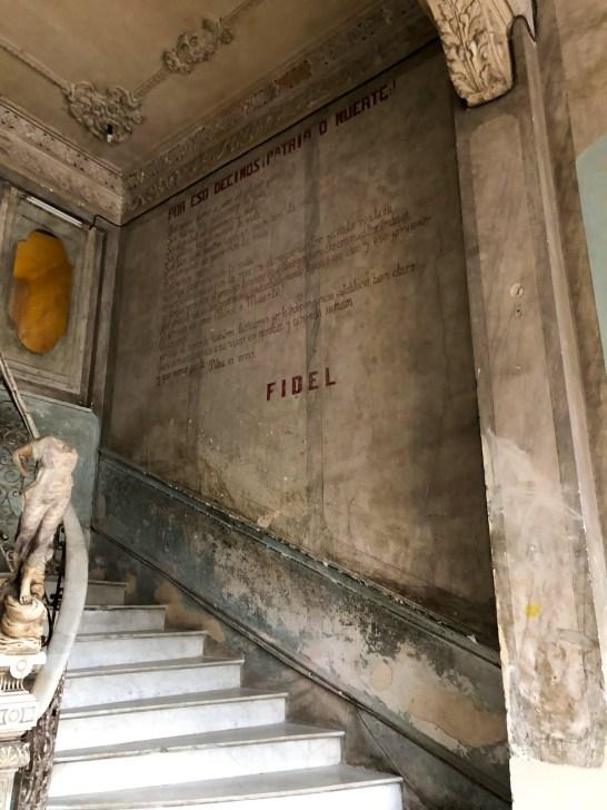 cuba travel guide fidel stairwell 1
