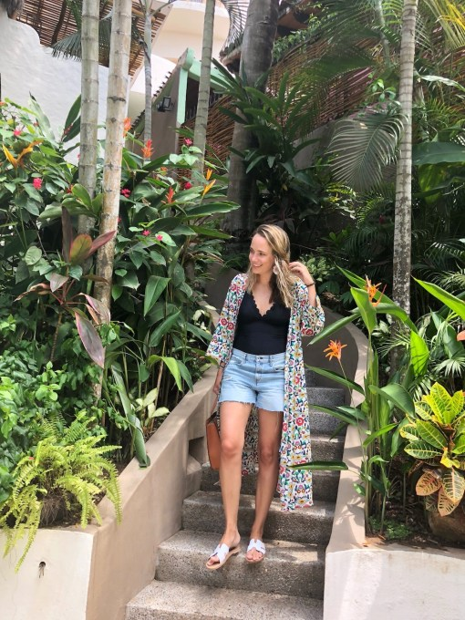 how to transition a kimono from the pool to lunch.