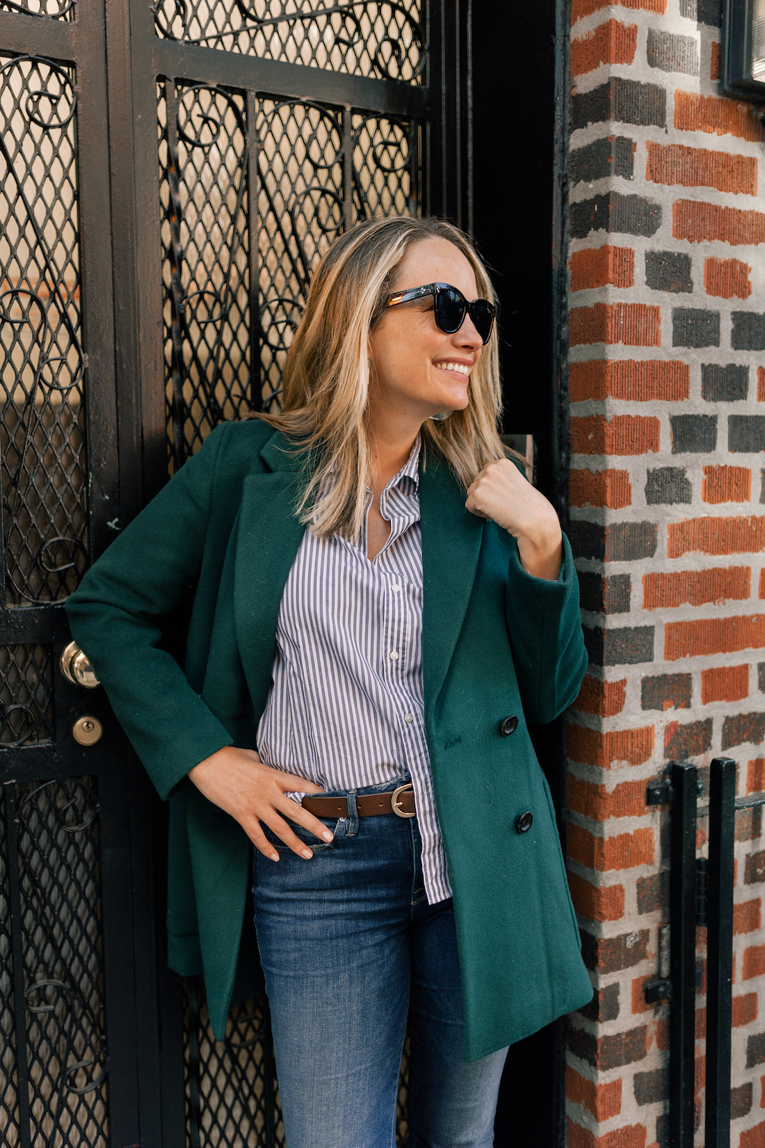 Madewell Coat// Frank & Eileen Classic Button Down Shirt // Good American Jeans // Polaroid Sunglasses // J.Crew Belt // Gucci Bag
