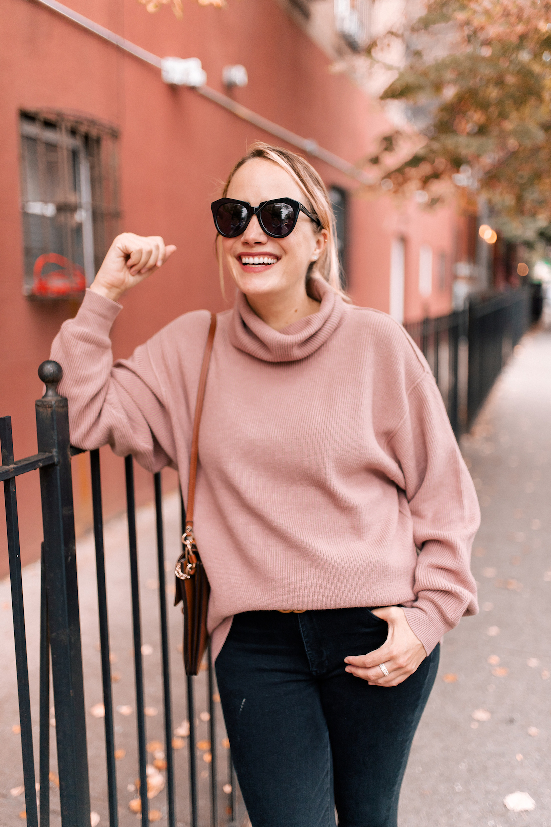 Free People Softly Structured Tunic Sweater // American Eagle Jeans // Gucci Belt  // Karen Walker Sunglasses // Charlotte Tilbury Lipstick