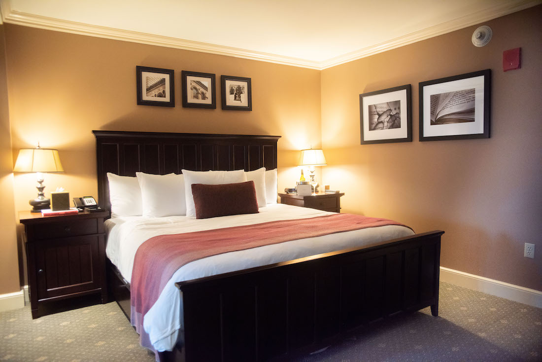 Hotel Commonwealth - room