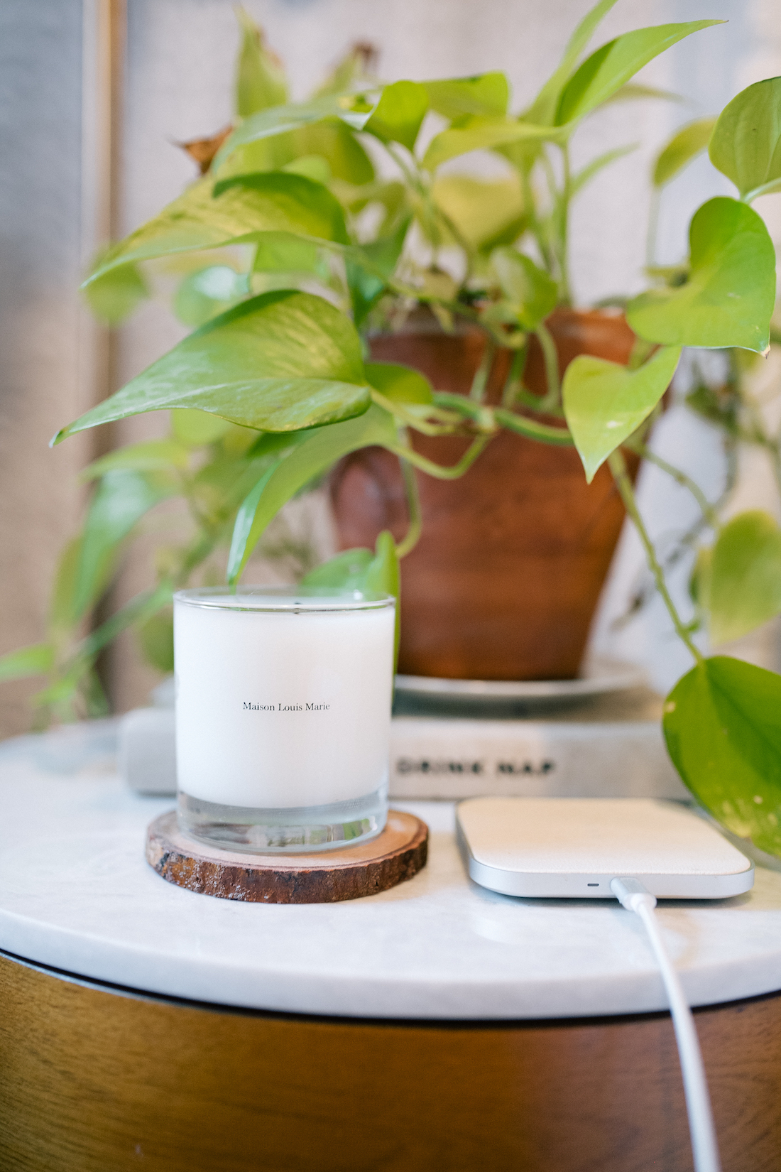 Maison Louis Marie Candle+ Courant Charging Mat