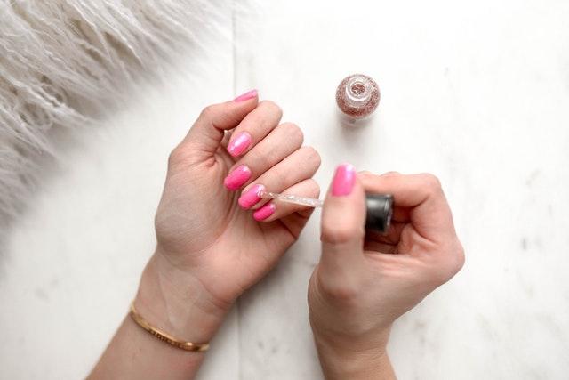 woman-s-pink-pedicure-973405