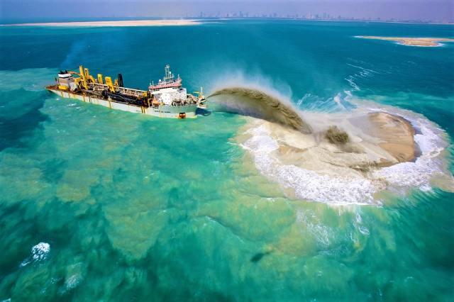 Dubai World Islands construction