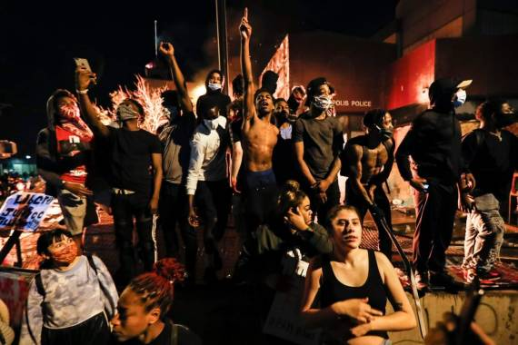 سماجی تحریکیں ، سیاسی حکمتِ عملی اور انقلاب