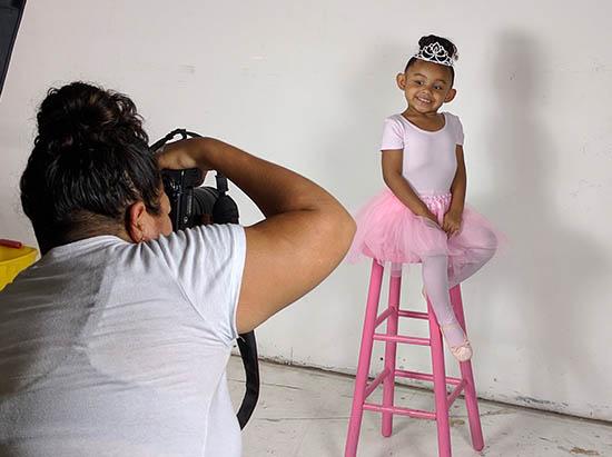 Travel Photographer Rents photography studio for child portraits
