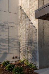 STUDIO-Architecture-Center-Green-Arbor-Courtyard-Garden