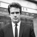WARREN BEATTY BEQUEATHS PENIS TO THE SMITHSONIAN