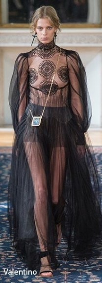paris_fashion_week_spring_2017_fashion_trends_sheer_clothing
