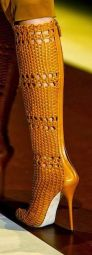 http://www.runnwayfashion.com/2014/01/gucci-woven-boots.html