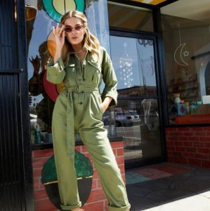 Low Key Utility: The '90s Trend Making A Major Comeback