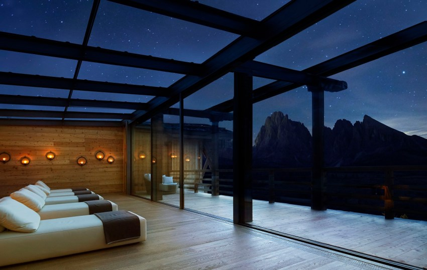 Dolomiti Val Gardena - Adler Mountain Lodge spa relax room - TheStyleLovers